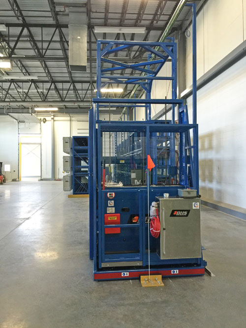 BE-TS with Water Tank for forklift battery maintenance