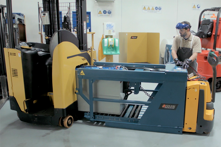 Forklift Battery Handling Equipment Helps With Regulations